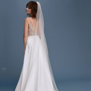 Floravere single layer tulle chapel length veil